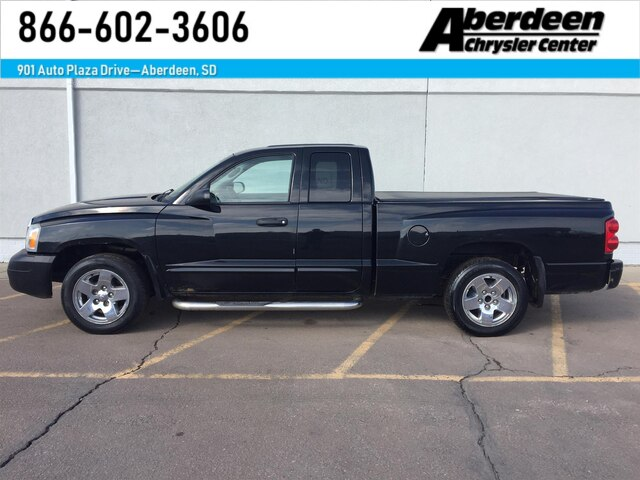 Pre-Owned 2005 Dodge Dakota Laramie