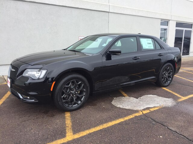 New 2020 CHRYSLER 300 S